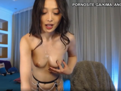 Korean cam fingering her oiled pussy on Chaturbate korean