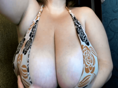 Huge boobs cup J sucking her small tits